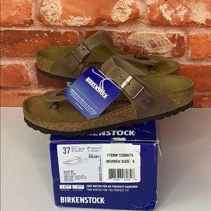 Women's Birkenstock Gizeh BS Sandals Brown Size 6